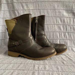 Teva De La Vina low boots
